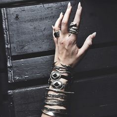 death grip | @dirtyflawsss on instagram