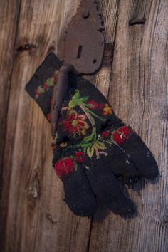 Gardimellom i Hjartdal - Magasinet BUNAD Gloves, Store