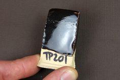 TP201 By Tristan Philippe | Marron très foncé, presque noir. Touche de  caramel. Cône 7 (1240°). Soak/Palier de 45 min.  - Feldspath potassique (Custer) 20 - Silice 18 - Kaolin (EPK) 20 - Fritte 3110 20 - Talc 12 - Wollastonite 10 + OX fer rouge (RIO) 9 + Titanium 2  SAFE FOOD / Alimentaire   Firing : - 100°/hr -> 900° - 120°/hr -> 1240° - 45min soak (Palier)