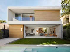 Modern residence in Beverly Hills, California. Architects: Ehrlich Yanai Rhee Chaney Architects