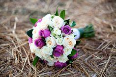 Bouquet de rosas blancas y lilas   {foto, Adriana Morett}