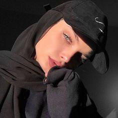 give me an offer i cant refuse Hijabi Modern Hijab Fashion, Street Hijab Fashion, Muslim Fashion, Fashion Outfits, Style Fashion, Hijabi Girl, Girl Hijab, Hijab Outfit, Hijab Makeup