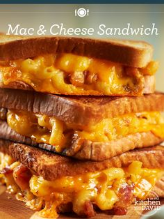 The Ultimate David Sandwich: Mac and Cheese Grilled Cheese (QVC's David Venable loves his mac & cheese! Macaroni Cheese, Mac Cheese, Grilled Mac And Cheese, Gourmet Recipes, Cooking Recipes, Cheese Recipes, Hot Dogs, Great Recipes, Favorite Recipes
