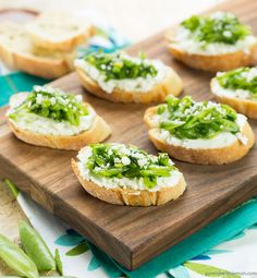 Need the perfect spring appetizer for an upcoming shower? Try these Sugar Snap Pea Crostini with Goat Cheese and Arugula! ~ http://www.garnishwithlemon.com