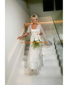 Designes Brautkleid aus Satin mit Spitze 2013
