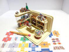 Bausatz 1:144, 60er Jahre Kaufladen + Printies von *Minikreationen - Andrea Coppi* auf DaWanda.com
