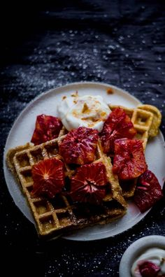Starting my mornings with these Cardamom and Cinnamon Waffles with Blood Orange Yoghurt is my the best! These are wholesome, healthy and delicious. Orange Recipes, My Recipes, Snack Recipes, Dessert Recipes, Best Scone Recipe, Cinnamon Waffles, Fried Halloumi, Gluten Free Waffles, Margarita Recipes