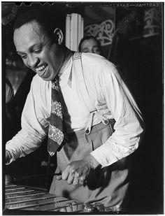 [Portrait of Lionel Hampton, Aquarium, New York, N.Y., ca. June 1946] (LOC)
