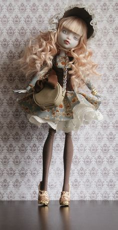 Here's my new doll- Paulette, I worked a lot on her! She has rerooted hair and repainted face. Outfit and accessories are made by me. She's avaible on eBay