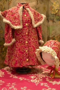 Nice Winter Coat and Bonnet for big Dolls and Bebe´s