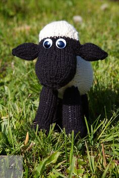 Jonathan & Chelsea: New knitting pattern: Shaun The Sheep!
