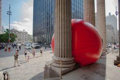 Bank of Montréal, RedBall Montréal, Artist: Kurt Perschke, Photographer: Thomas Martin, Martin & Martin #redballproject