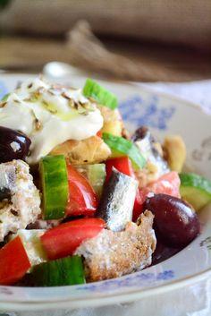 Σαλάτα Μιρμιζέλι Κάλυμνος Greece Food, Group Meals, Greek Recipes, Caprese Salad, Bon Appetit, Dressings, Good Food, Board, Summer