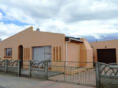 3 bedroom House for sale in Hexpark