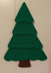Crochet Christmas Tree - free pattern. A small advent calender for your Christmas Holiday Season.