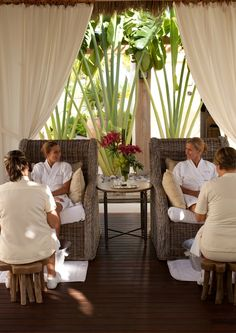 Seductive havens of repose, St. Regis Spas are inviting escapes…enveloping our guests in a world of uncompromising service and utter relaxation.   Experience The Remède Spa at The St. Regis Punta Mita Resort & click like if you are inspired!     http://www.starwoodhotels.com/stregis/property/features/attraction_detail.html?propertyID=1734=1004153101