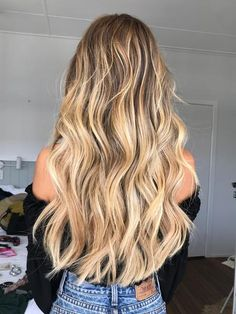 Honey Blonde Hair, Blonde Hair Looks, Blonde Hair With Highlights, Brown To Blonde, Brunette Hair, Beige Blonde, Blonde Balayage On Brown Hair, Beach Blonde Hair, Medium Blonde