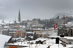 How Davos Brings the Global Elite Together - The New York Times