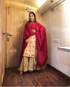25 ideas wedding guest outfit elegant for 2019 Embroidery Suits Punjabi, Embroidery Suits Design, Indian Wedding Outfits, Indian Outfits, Indian Weddings, Indian Attire, Indian Wear, Pakistani Dresses, Indian Dresses