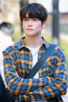 Nct Group, Boy Music, Jung Yoon, Valentines For Boys, Jung Jaehyun, Jaehyun Nct, Tsundere, Indie Kids, Winwin