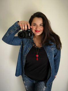 Η Εύη Σαχινίδου από το MamasnPapas.gr δεν είναι απλά η blogger που κάθε γυναίκα πρέπει να διαβάζει, αλλά και η blogger με το ομορφότερο λογότυπο. Όχι, ειλικρινά, απλά κοίτα το πόσο όμορφο είναι. Όσες φορές χρειάστηκε να συνεργαστώ με την Εύη ή να μιλήσω μαζί της, έμενα κάθε φορά έκπληκτος από την ευγένια και την [...] Αυτό το άρθρο γράφτηκε από τον/την Παναγιώτης Σακαλάκης για το Inkstory.  #interview #sinenteuksi Bomber Jacket, Jackets, Fashion, Down Jackets, Moda, Fashion Styles, Fashion Illustrations, Bomber Jackets, Jacket