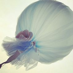 Love this balloon idea- tulle and flowers. Could use lace, organza, or any sheer fabrics.