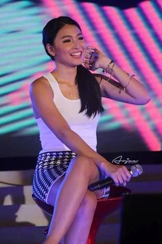 Nadine Lustre (ctto) Lady Luster, Gorgeous Women, Gorgeous Lady, James Reid, Nadine Lustre, Just Friends, Pinoy, Cute Couples, Girlfriends