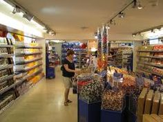 Spend lots of money in the Lindt chocolate factory shop. Lindt Chocolate, Chocolate Factory, Zurich, Things To Do, Paradise, Money, Shopping, Things To Make, Silver