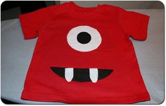 Easy kids t-shirt - done with felt and heat'n'bond - so simple and so effective! Love Yo gabba gabba!
