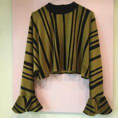 sweatshirt in moss green velvet with black stripes