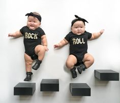 """Поредица от снимки на едни много сладки близнаци (""""The Momo Twins"""") в Instagram.Всяка снимка е уникална и показва едни щастливи бебета."""