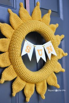 Repeat Crafter Me: Crochet Summer Sun Wreath More