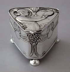 Arts Nouveau silver box Kate Harris for Hutton & Sons