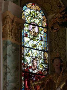 Beautiful stained glass window. Stained Glass Art, Mosaic Glass, Leaded Glass Windows, Sacred Art, Glass Etching, Our Lady, Colored Glass, Ramen, Tiffany