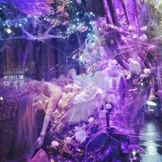 Sleeping Beauty Christmas window.  Harrods <3