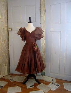 Vintage 1950s Dress Vintage 1950s Prom Dress by SassySisterVintage, $158.00