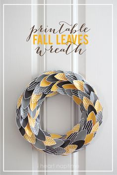 DIY Fall Harvest Crafts A Perfect Fall Wreath {free printable} Easy recipes, DIY crafts, Homemaking Diy Fall Wreath, Wreath Crafts, Fall Wreaths, Paper Crafts, Wreath Ideas, Origami, Fall Projects, Craft Projects, Fall Crafts