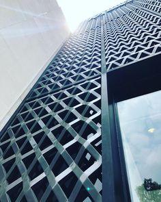 #sordomadaleno #mexicoarchitecture Solis, Skyscraper, Multi Story Building, Mexico, Architecture, Instagram, Arquitetura, Skyscrapers, Architecture Design