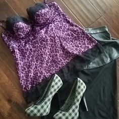 Moda Intnl purple cheetah lace cupped cami sz 10 Very cute and sexy. Full cupped camisole top with black lace at the bottom. Size 10. Looks to be about a 34 b.  Zippered back. Moda International Tops Camisoles