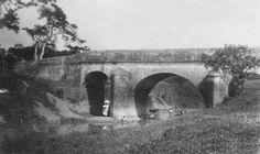 Antiguo puente sobre el río Piedras constrido en 1853 (Foto c1914) San Juan, Puerto Rico
