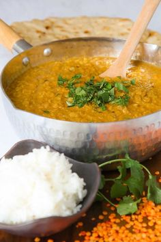 Red lentils dal recalls me my first trip in Asia. A smooth vegetarian stew, spicy and tasty, perfect to recreate an Indian feast! Vegetarian Stew, Vegetarian Recipes, Cooking Recipes, Red Lentil Recipes, Cooking Tips, Rice Recipes, Cooking Pasta, Girl Cooking, Recipes Dinner