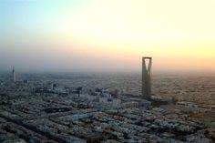 Las ciudades más baratas del mundo para vivir - Riad, Arabia Saudita El control de precios sobre productos básicos que lleva a cabo Arabia Saudita, sitúa a esta ciudad la décima en el ranking de las más baratas para vivir.