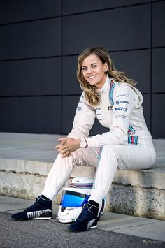 Susie Wolff during her stint at Williams Best Picture For Racing Girl grand prix For Your Taste You Female Race Car Driver, Car And Driver, Women Drivers, F1 Drivers, F1 Racing, Racing Team, Drag Racing, Red Bull Racing, Nissan 370z