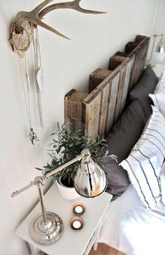 Recycled repurposed Wood Pallet DIY headboard Easy Cheap Rustic Eco Bedroom Decoration Chic +++ Cabecero de cama hecho con pallets reciclados reutilizados facil rapida rustica barata facil rapida decoracion elegante