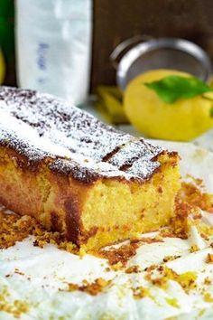 Bolo de Limão e Mascarpone Portuguese Sweet Bread, Portuguese Desserts, Portuguese Recipes, Other Recipes, Sweet Recipes, Cake Recipes, Food T, Food And Drink, Yummy Food