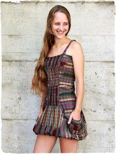 La Mamita · Abiti Estivi Etnici · abito corto Giselle vestito in cotone con  corpetto arricciato davanti e dietro ff3dde6b95d