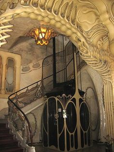 Art nouveau interior, Spain. This really should go on my Art Nouveau and Deco architecture board, but it's too lovely not to put here also.