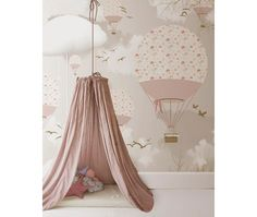 little hands: Little Hands Wallpaper Mural - Balloons love this for a toddler room! Baby Bedroom, Nursery Room, Girls Bedroom, Nursery Decor, Room Decor, Room Baby, Trendy Bedroom, Nursery Themes, Bedroom Ideas