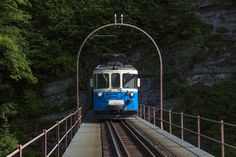 Swiss Railways, Standard Gauge, Travelogue, Switzerland, Classic Cars, Old Things, Bahn, Vehicles, Europe