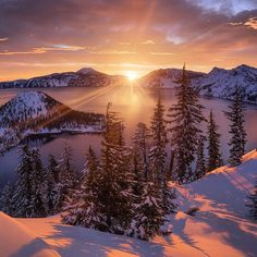 Arclight - A Winter Sunrise at Crater Lake Oregon by Alex Noriega landscape Nature Photos Crater Lake National Park, National Parks, Alex Noriega, Crater Lake Oregon, Album Photo, Cool Landscapes, Photo Instagram, Landscape Photographers, Landscape Photos